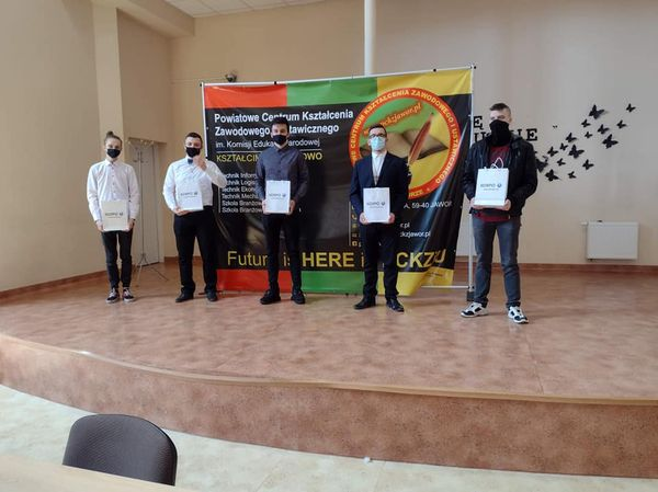Absolwent PCKZiU Konrad Skuratko z rekordową średnią ocen 5,83